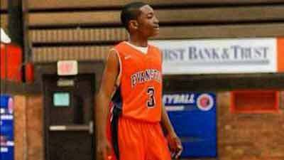 Dajae Coleman, of Evanston, playing for the Evanston Pride Feeder Basketball's eighth-grade team.