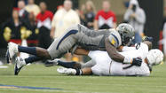 Terps quarterback Perry Hills hanging tough despite taking sacks