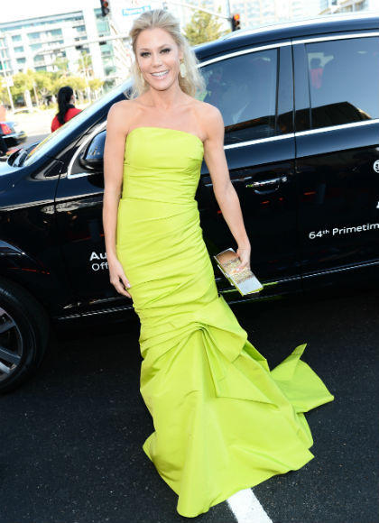 Emmys 2012 red carpet arrival pictures: Julie Bowen, Modern Family