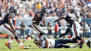 Bears' defense dominates Rams