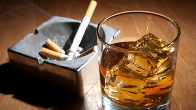Yale Study Finds Smoking Bans Can Help with Booze Problems