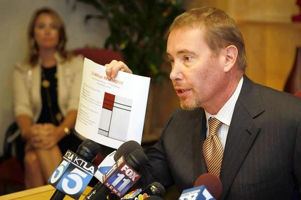 Star bond manager Jeffrey Gundlach holds a news conference to announce a reward for the safe return of his art. Gundlach has given few details about the crime, which he said he discovered Sept. 14 after returning from a two-day business trip to New York.
