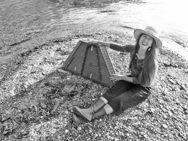 Carolyn Cruso entertains people with her expressive voice, flute, guitar and hammered dulcimer talents.