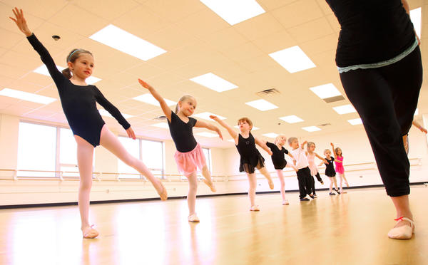 Gwen Briscoe, right, taught a kindergarten dance class Tuesday at the Aberdeen Recreation and Cultural Center. From left are Livia Vander Hoek, Evie Moe, Sabrina Beving, Jaelee Mernaugh and Daniel Opdahl.