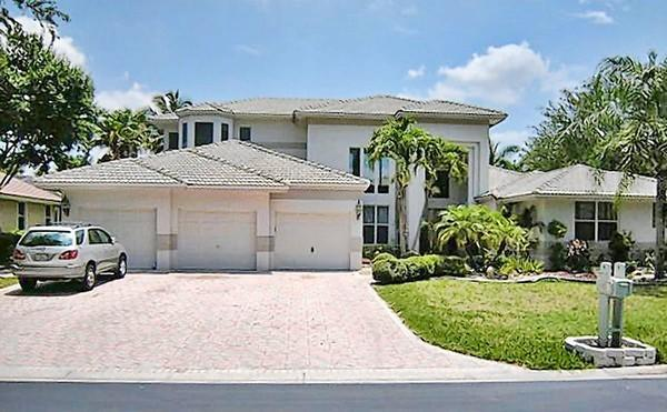 "<b>Some fancy neighborhoods open gates to Section 8</b><br><br>  <a href=""http://www.sun-sentinel.com/news/palm-beach/boca-raton/fl-high-hud-rentals-20120907,0,2221304.story""target=""new"">Click here to read full article</a>"