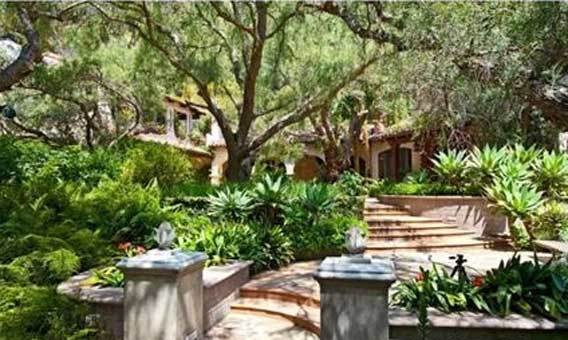 The Malibu property was owned by now-divorced couple Mel Gibson and Robyn Moore Gibson since 1989.