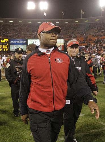 49ers coach Mike Singletary was an assistant coach for the Ravens from 2003-2004.