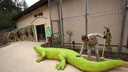 A money-saving plan to privatize the Los Angeles Zoo has stalled after city negotiators failed to reach an agreement with the nonprofit seeking to run the facility.