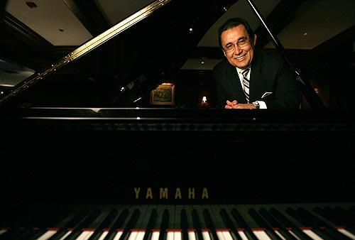 A pianist's last performance at the Hotel Bel-Air
