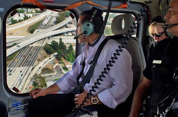 From a helicopter, Los Angeles Mayor Antonio Villaraigosa checks on traffic patterns where the 10 and 405 freeways intersect.