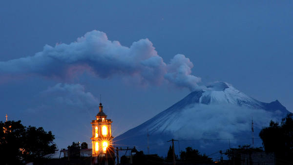Ash and smoke spew from Popocatepetl volcano in Panotla community on Tlaxcala, Mexico, on September 30, 2012. According to a report by the National Center for the Prevention of Disasters (CENAPRED) a yellow alert is on effect for the area.
