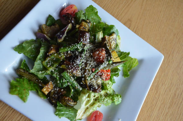 Farmers Market Salad, Brick House Kitchen, Fayetteville, Ark.