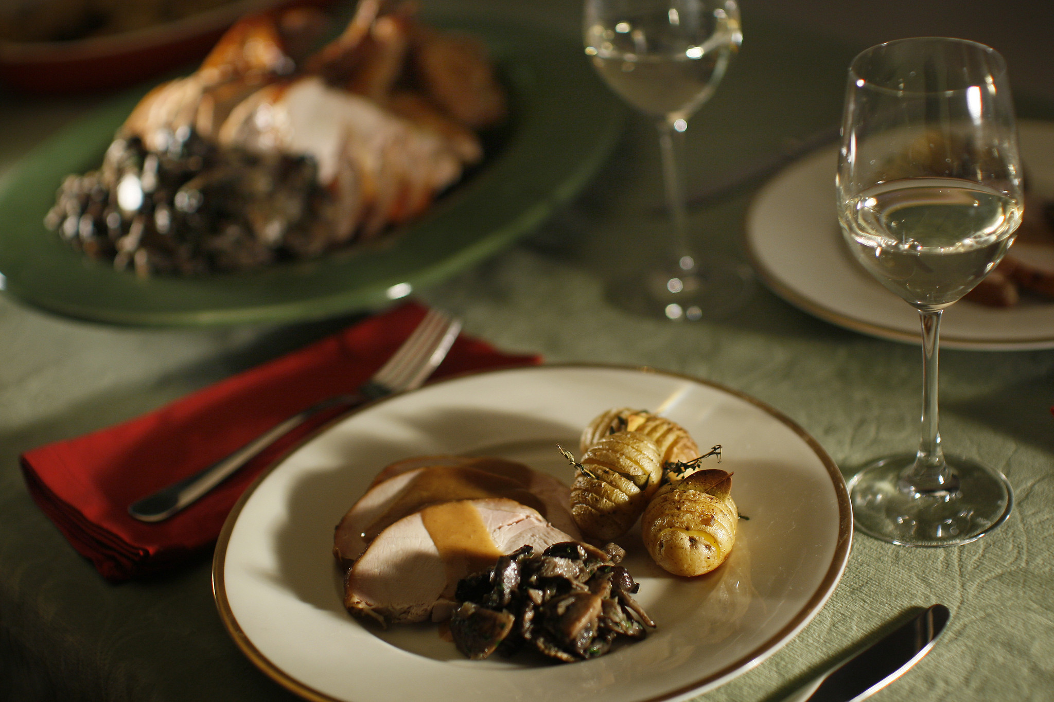 Photos: 97 great Thanksgiving recipes - Roast turkey with wild mushrooms