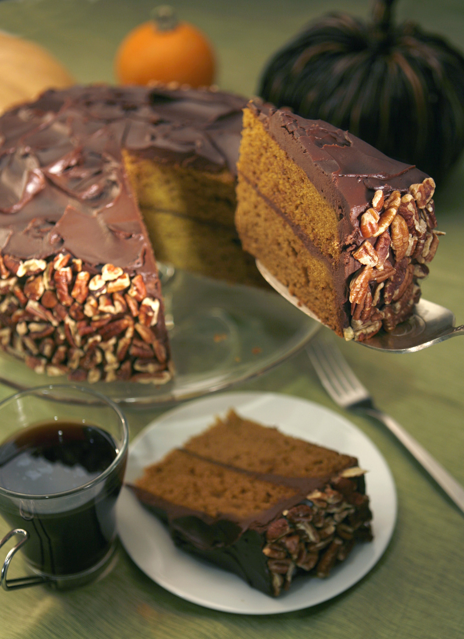 Photos: 97 great Thanksgiving recipes - Pumpkin-chocolate cake