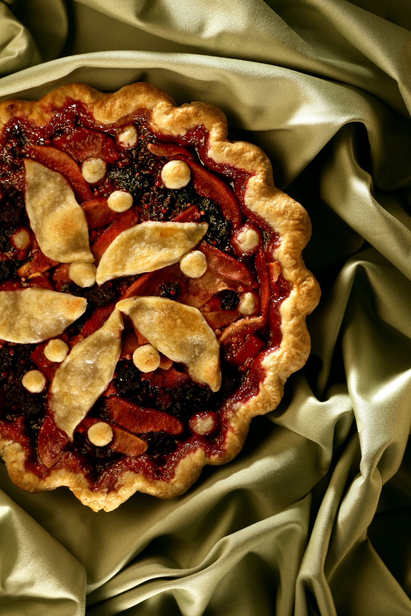 Photos: 97 great Thanksgiving recipes - Pear-blackberry pie