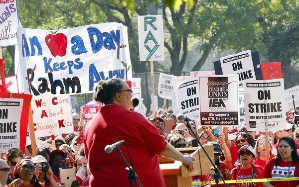 Chicago Teachers Union President Karen Lewis addresses supporters at a Sept. 15 rally at Union Park.