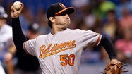 Orioles edge Rays, 1-0, to stay alive in AL East