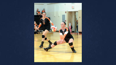 Somerset's Julie Barron handles a hard serve from Richland on the Lady Eagles home court Tuesday.