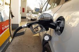 Gasoline pump prices are poised to drop by more than 6 percent by year end.