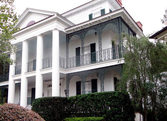 Homeowner Mark Hurt insists his replica Haunted Mansion house is not haunted and grinning ghosts are not welcome.
