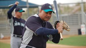 Mariners fire hitting coach Chambliss