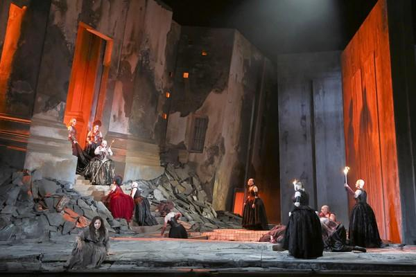 "Soprano Christine Goerke, in the title role at lower left, suffers through the arrival of her plotting mother Klytamnestra, played by Jill Grove, in the opera ""Elektra."""