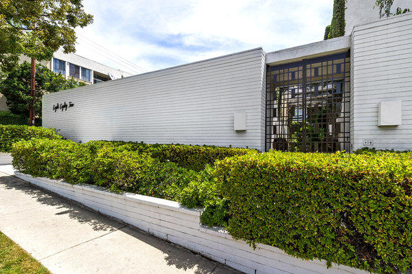The triplex in West Hollywood counts singer Frank Sinatra and film star Marilyn Monroe among its former tenants.
