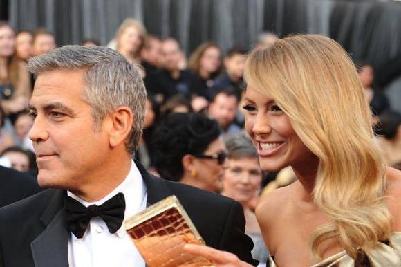 George Clooney and Stacy Keibler Attend Argo Premiere Amid Breakup Rumors