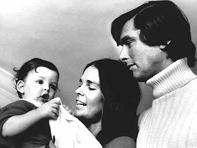 Evans with Ali MacGraw and their son Josh - LA Times