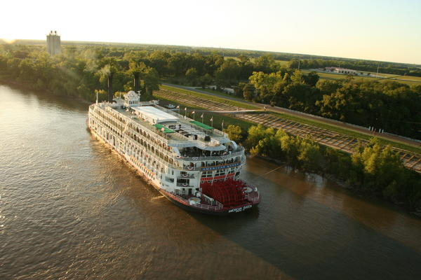 The stately American Queen cruises the Mississippi