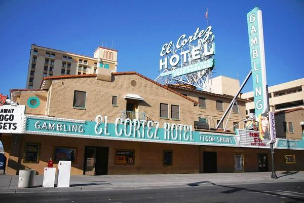 Many downtown Las Vegas hotels improve their looks but keep their prices low