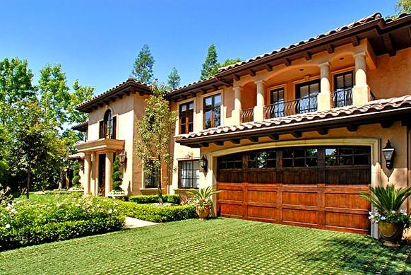 TV personality Kim Kardashian has purchased a furnished home in  Beverly Hills' Post Office neighborhood.