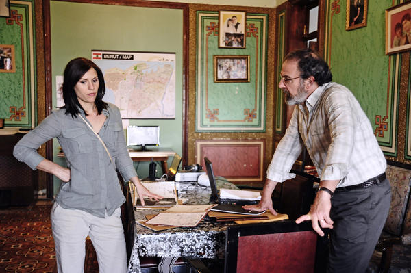 Claire Danes as Carrie Mathison and Mandy Patinkin as Saul Berenson in 'Homeland.'