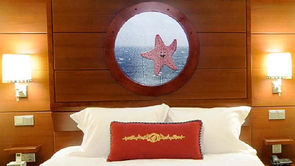Virtual porthole in the inside stateroom on the Disney Dream cruise ship.