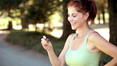 Fitbit syncs with other health-realted apps such as Endomondo, TrendWeight, Fit Bolt, Sleep Debt, MyFitnessPal, Microsoft HealthVault, Health Month and more.