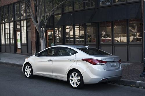 "Sticker price of $17,595 and government fuel economy rating of 33. Score: 533.<br /><br /><strong>Story: </strong><a href=""http://www.latimes.com/business/money/la-fi-mo-autos-most-fuel-effecient-cars-20121008,0,5212924.story"" target=""_blank"">The gas miser list</a>"