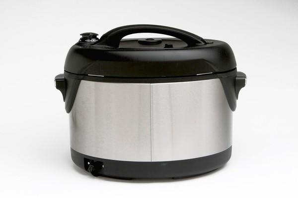 Pressure cookers: A comparison