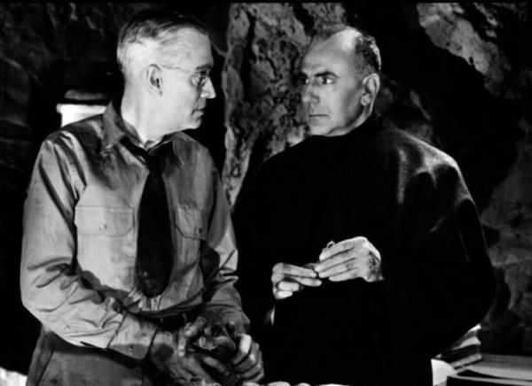 "<em>Charles Trowbridge and George Zucco in ""The Mummy's Hand.""</em>