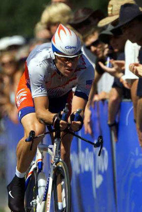 Lance Armstrong competes in the 2000 Olympics.