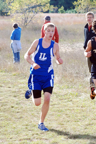 Inland Lakes junior Duane Vizina finished fifth overall in 18 minutes, 33.3 seconds and earned All-Ski Valley Conference first team honors as the Bulldog boys were second in the Ski Valley Conference championships Wednesday in Central Lake.