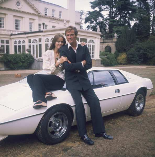 Agent XXX (Barbara Bach) and James Bond (Roger Moore) drive this Lotus Esprit S1 straight into the water. But that's no problem: It converts into a submarine, and is dangerous even in the depths, launching a missile from the water to take out an enemy helicopter.