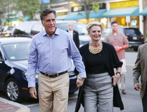 Republican presidential candidate Mitt Romney and his wife, Ann, arrive at il Casale in Belmont, Mass., for dinner.