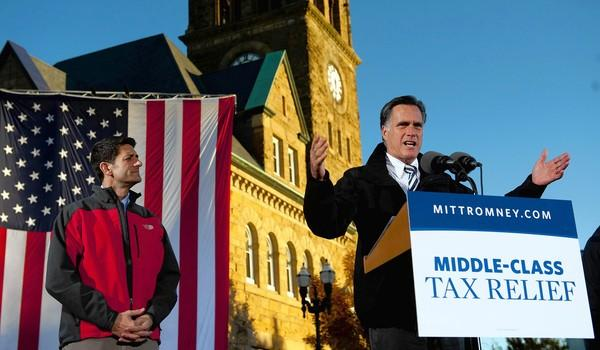 "Mitt Romney and running mate Paul Ryan campaign in Ohio. Aides say Romney's foreign policy would aim to avoid ""the mistakes and miscalculations of the last decade."""
