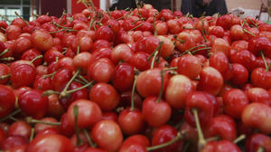Study: Can a few cherries a day keep gout away?