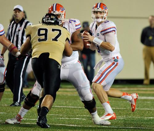 Quarterback Jeff Driskel #6 of the Florida Gators drops back to pass against the Vanderbilt Commodores at Vanderbilt Stadium on October 13, 2012 in Nashville, Tennessee.