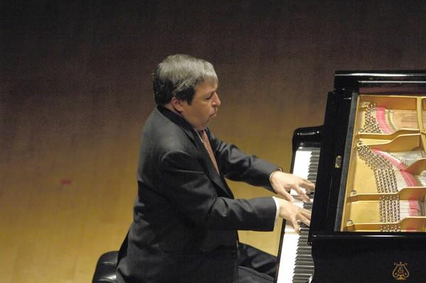 Guest artist Murray Perahia at the Chicago Symphony Center in 2007.