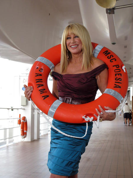 In 2001, Suzanne Somers announced that she had breast cancer, having a lumpectomy to remove the cancer followed by radiation therapy. She decided to forego chemotherapy in favor of alternative treatment.