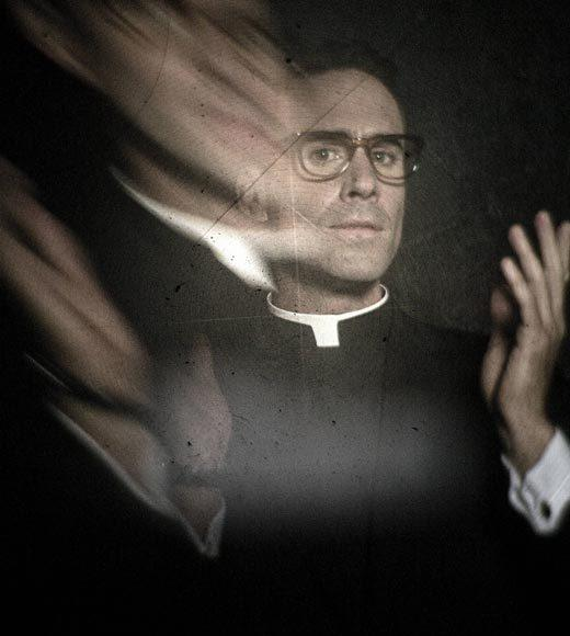 'American Horror Story' Season 2: 'Asylum': Joseph Fiennes as Monsignor Timothy Howard