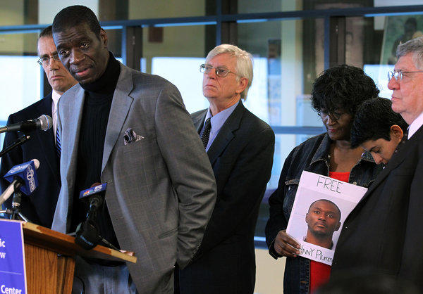 Darrell Cannon, left, a torture victim of former police commander Jon Burge, speaks at an announcement of a class action lawsuit by attorneys that calls for new hearings for all of the men who remain in prison despite credible claims that their convictions were tainted by former Chicago Police Commander Jon Burge.