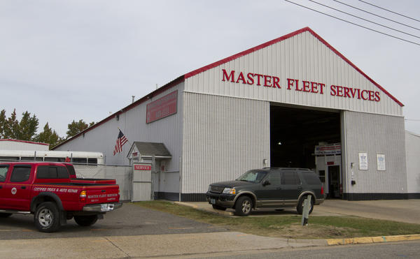 A oil storage tank at Master Fleet Service leaked over 3,000 gallons of waste oil into a tidal ditch after the tank failed. The company has hired LCM Corporation of Roanoke, Va to clean up the spill.
